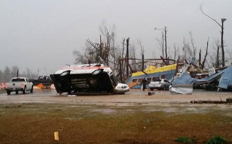 poderoso-tornado-deja-4-muertos-y-mas-de-50-heridos-en-misisipi