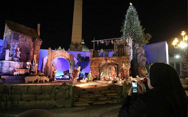inaugura-vaticano-impresionante-nacimiento-y-arbol-de-navidad