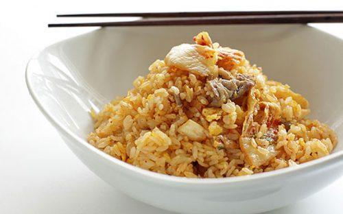 arroz-frito-con-pollo-y-cacahuate