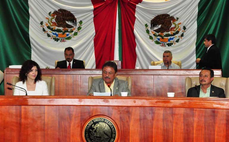clausuran-legisladores-el-primer-periodo-ordinario-de-sesiones