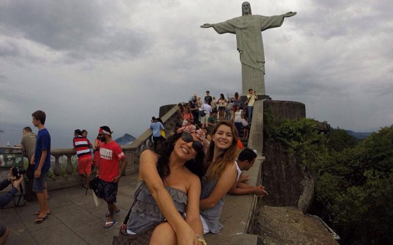 titular-del-dif-acapulco-presume-atractivos-del-extranjero