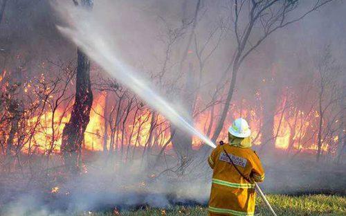 incendio-forestal-en-australia-sigue-fuera-de-control-al-menos-29-heridos
