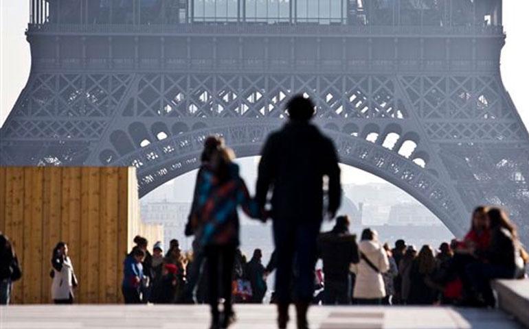 paris-a-la-baja-de-turistas
