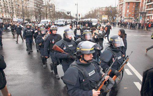 francia-le-declara-la-guerra-al-terrorismo