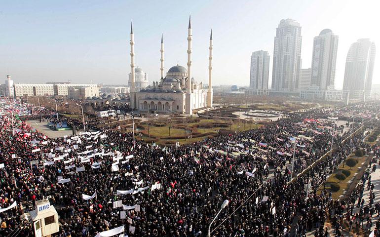 miles-de-personas-marchan-en-chechenia-contra-charlie-hebdo