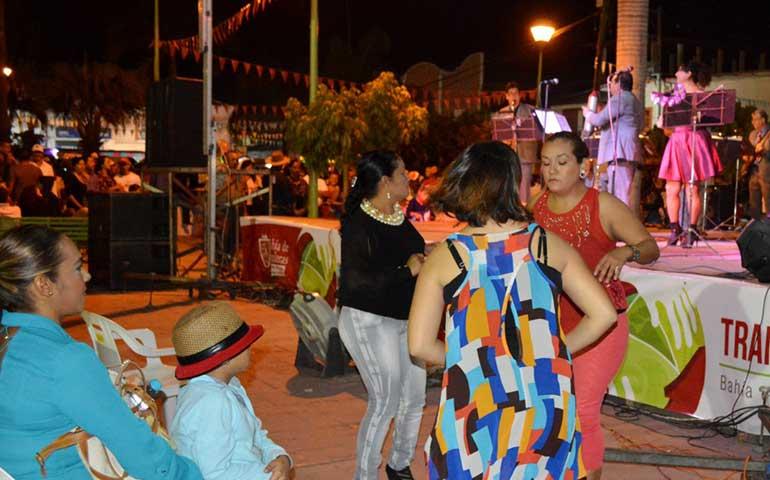 disfrutan-habitantes-de-bahia-de-banderas-de-espectaculares-fiestas-patronales