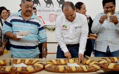 parte-jose-gomez-la-tradicional-rosca-de-reyes