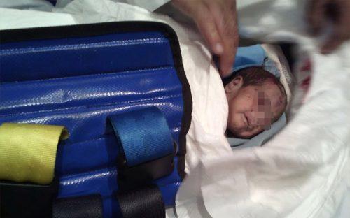 rescatan-a-bebe-con-vida-entre-los-escombros