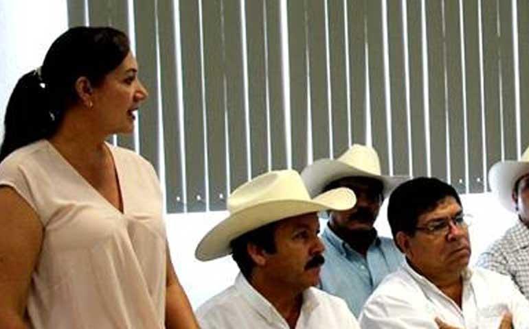 vamos-a-contribuir-con-el-sector-agricola-de-santiago-ixcuintla-fatima-del-sol