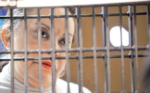 Elba-Esther-pide-'arresto-domiciliario'-en-lujosa-mansión