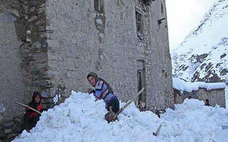 suman-mas-de-180-muertos-por-avalanchas-de-nieve-en-afganistan