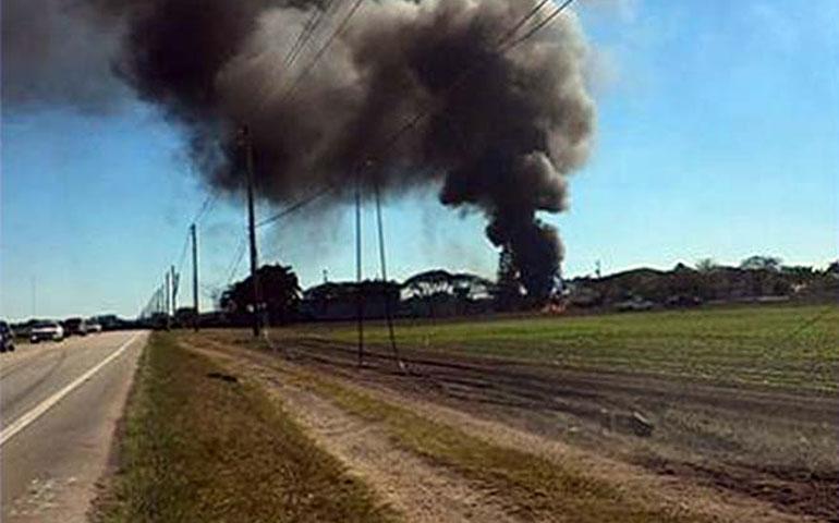 avion-con-cuatro-pasajeros-se-impacta-e-incendia-en-miami