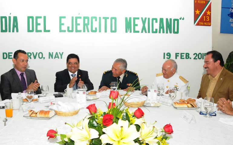 celebracion-del-102-aniversario-del-ejercito-mexicano