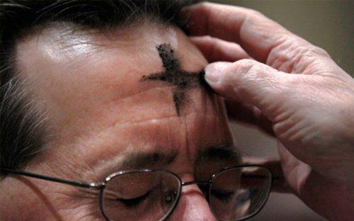 confunden-catolicos-la-cuaresma-creen-que-se-trata-de-cambio-de-menu