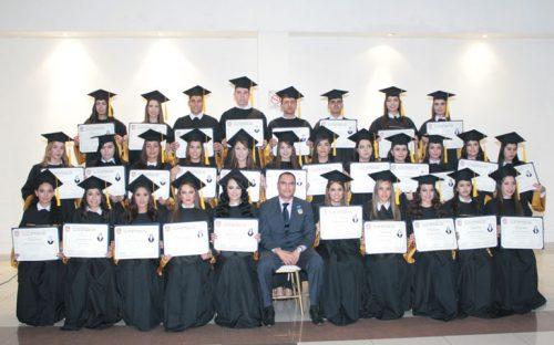 disfrutan-memorable-graduacion-alumnos-de-univa2