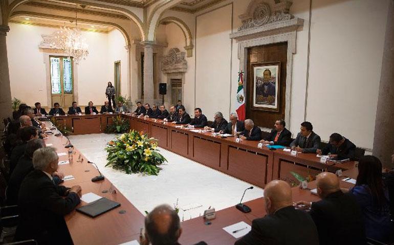 encabeza-el-secretario-de-gobernacion-una-reunion-con-delegados-federales-y-regionales-de-esta-dependencia