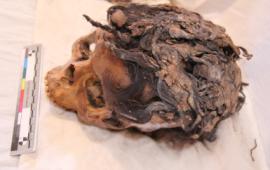 encuentran-momia-con-extenciones-de-cabello