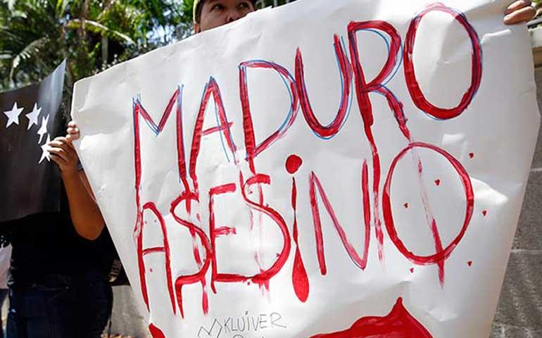 estudiantes-venezolanos-juntan-firmas-contra-las-armas-en-protestas