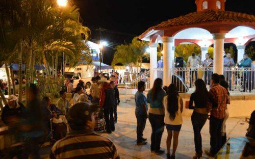jose-gomez-se-viven-extraordinarias-fiestas-en-el-guamuchil