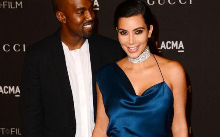 kim-kardashian-pedia-a-kanye-west-banarse-para-quitarse-el-olor-de-su-ex