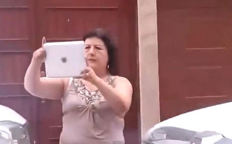lady-dif-responde-a-manifestantes-con-mentadas-de-madre