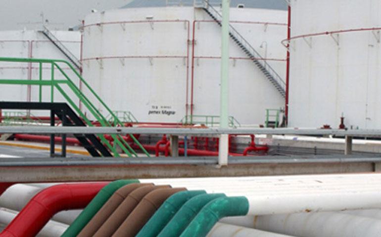 pemex-deja-de-transportar-gasolina-terminada-por-ductos
