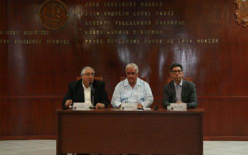 presentan-libro-digesto-constitucional-mexicano-de-manuel-gonzalez-oropeza7