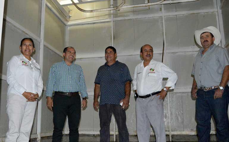rehabilita-jose-gomez-instalaciones-del-rastro-municipal-de-badeba