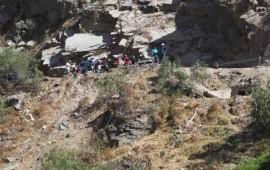 accidente-de-un-autobus-en-peru-deja-al-menos-19-muertos