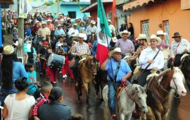 asiste-gobernador-a-tradicional-cabalgata-en-poblado-de-la-labor