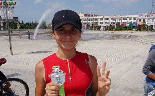 con-12-anos-bate-record-al-correr-7-maratones