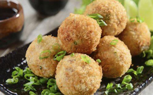 croquetas-de-coliflor-a-la-parmesana