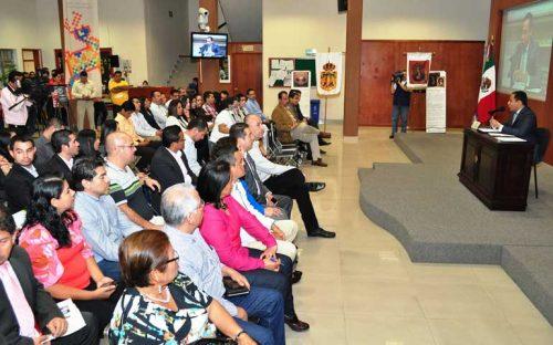 dictan-conferencia-sobre-las-relaciones-institucionales