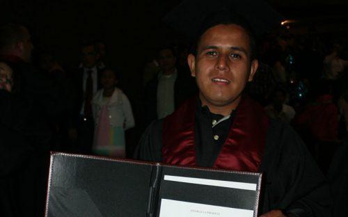 graduacion-de-marco-antonio-prado-perez13
