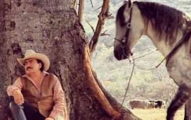 joan-sebastian-sufre-accidente-en-caballo