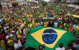 mas-de-un-millon-de-brasilenos-protestan-contra-rousseff