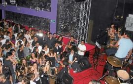 musica-de-antros-y-bares-pueden-dejar-sordos-a-los-jovenes
