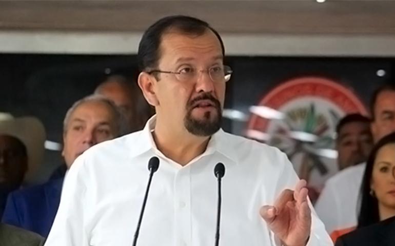 no-se-va-a-privatizar-el-agua-dijo-cota-jimenez