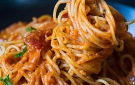 pasta-cremosa-en-salsa-de-jitomate-spicy