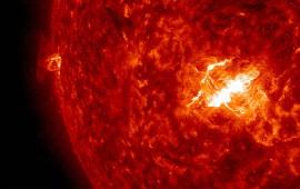 potente-tormenta-solar-afecta-redes-en-la-tierra-tras-descarga-geomagnetica