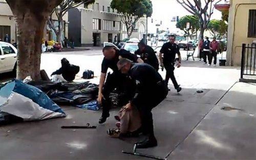 video-policias-de-eu-matan-a-balazos-a-indigente-desarmado