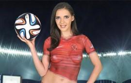 actriz-porno-ofrece-maraton-sexual-a-un-jugador