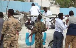 atentan-contra-vehiculo-de-la-onu-en-somalia-mueren-10