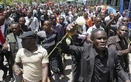 cientos-de-estudiantes-kenianos-marchan-contra-el-terrorismo