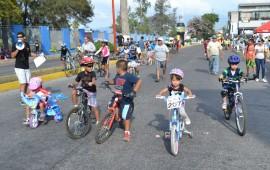 cientos-de-nayaritas-se-pusieron-a-rodar-sus-bicicletas10