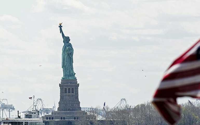 evacuan-a-turistas-de-la-estatua-de-la-libertad-en-nueva-york