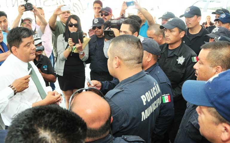 gobierno-del-estado-dialoga-con-policias-que-polo-no-ha-atendido