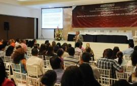imparte-sepen-conferencia-a-maestros-y-padres-de-familia