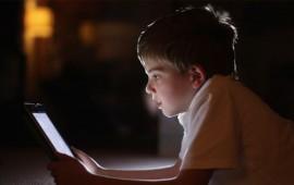 luz-de-gadgets-es-nociva-para-el-crecimiento-de-los-ninos