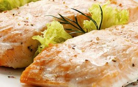 salmon-con-salsa-de-aguacate-y-toronja